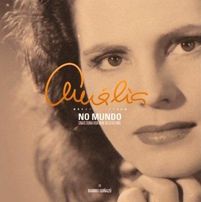 Amalia No Mundo CD Book.jpg